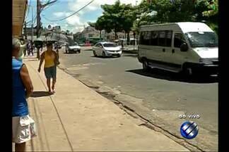 Protesto de perueiros deixou trânsito lento em São Brás - Manifestantes bloquearam a avenida Almirante Barroso durante uma hora na última quinta-feira (29) depois que uma blitz da Semob apreendeu nove veículos.