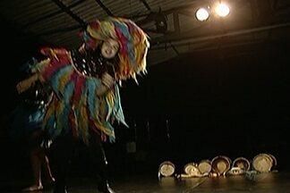 Festival de Dança do Alto Tietê começa nesta sexta-feira - Outras opções culturais são as obras de Marcos Leandro expostas no shopping, em Mogi das Cruzes, e o encontro do grupo Jabuticaqui, no Galpão Arthur Netto, que reúne apresentações artísticas de música popular brasileira.