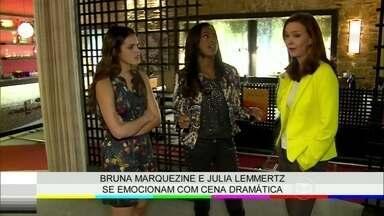 Bruna Marquezine e Julia Lemmertz se emocionam com cena dramática - Confira os bastidores de cena tensa que rolou na novela Em Família