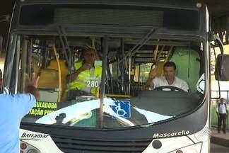 Empresa que opera mais de 40 linhas de ônibus em Salvador anuncia fechamento - Segundo a Secretaria Municipal de Urbanismo e Transporte, a Barramar só continua em atividade até o sábado (31). Secretário diz que linhas serão redistribuídas entre outras empresas.