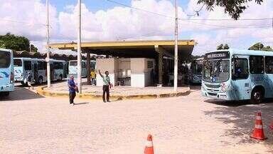 Rodoviários fecham Terminal de Messejana por 20 minutos, em Fortaleza - Nesta quarta-feira os trabalhadores fecharam os sete terminais de ônibus de Fortaleza durante toda a manhã.