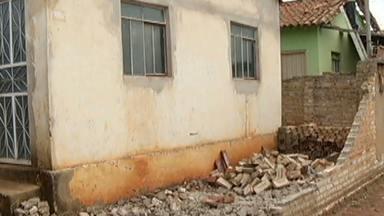 Temporal que atinge Norte de MG nesta terça dexa prejuízos para moradores de Taiobeiras - A Cemig informou que a energia foi totalmente reestabelecida na cidade.
