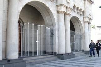 Programação das missas na Catedral Sant'Anna é retomada - Igreja ficou fechada depois de ser furtada nesta quinta-feira (5).
