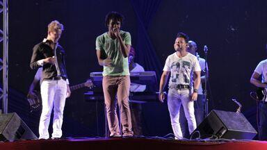 Visita Musical - Pablo canta em evento de rap com Terra Preta - O rapper se arrisca no mundo do sertanejo e faz rima improvisada