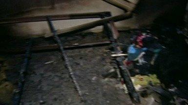 Criança utiliza isqueiro e incendeia casa, no Norte do ES - Caso aconteceu no bairro Nova Esperança, em Linhares. Ninguém ficou ferido.