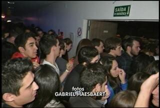 Polícia Civil vai investigar uso de gás durante show em Santa Maria (RS) - Confusão aconteceu durante show do Armandinho na última sexta-feira.