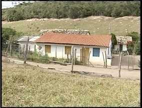 MG Patrulha: Polícia registra chacina em Padre Paraíso - Quatro pessoas da mesma família foram assassinadas.
