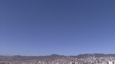 Meteorologia alerta sobre baixa umidade do ar em parte de Minas Gerais - Índice deve ficar perto dos 30% em Belo Horizonte. No Triângulo, a taxa é de cerca de 25%. A umidade ideial, segundo os especialistas, é acima dos 60%.
