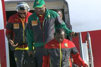 Seleção de Camarões se hospeda em Vitória - Jogadores deixaram o aeroporto e seguiram para o hotel, onde ficarão por 14 dias.