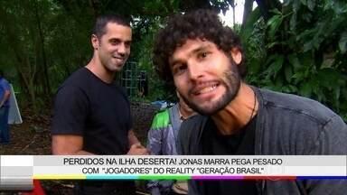 Dudu Azevedo mostra os bastidores das cenas do reality show de geração Brasil - Veja como foram gravadas as cenas em ilha deserta
