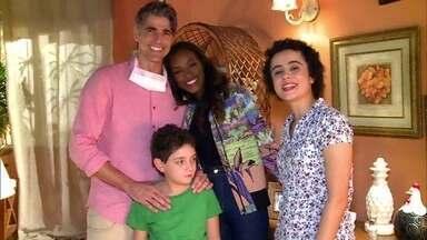 Reynaldo Gianecchini se emociona com cena de visita a doadores - Personagem Cadu vai atrás e descobre quem doou o coração para ele