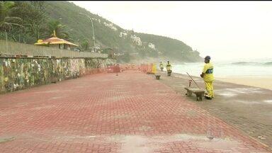 RJ Móvel cobra obras no calçadão da praia de São Conrado - O calçadão ficou destruído depois de uma ressaca em 2010. A recuperação do pavimento está quase pronta, mas moradores pedem ainda a construção de uma rampa de acesso.