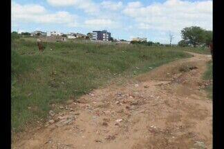 Calendário em Patos no sertão da Paraíba - Comunidade reclama de galeria entupida no bairro Jardim Queiroz.