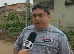 Cidade Real faz cobrança no Bairro Maria Auxiliadora, em Caruaru - Falta de calçamento prejudica moradores do local.