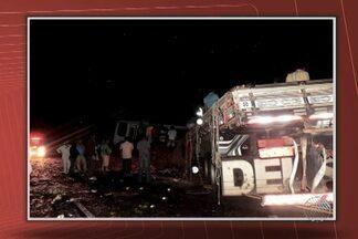 Três mortos e 20 feridos em acidente na BA-052 - Veja outros assuntos no Giro de Notícias.