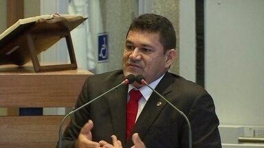 A três semanas do recesso, processos de quebra de decoro ainda aguardam decisões na Câmara - O processo do deputado Aylton Gomes foi retomado depois que a justiça manteve a condenação dele.