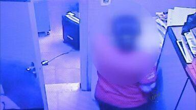 Funcionária de supermercado é suspeita de furtar dinheiro do cofre em Ituverava - Acusação é feita pelo dono do comércio, que viu a ação nas câmeras e segurança