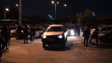 Presas 44 pessoas suspeitas de participação em quadrilha de roubo de carros - Presas 44 pessoas suspeitas de participação em quadrilha de roubo de carros.