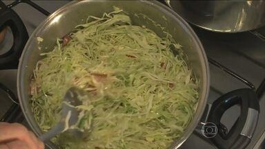 Veja como preparar o repolho à moda alemã - O repolho se destaca entre os outros vegetais. E não pode faltar na mesa dos descendentes de alemães. Uma das especialidades é a salada de repolho cru.