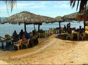 Comerciantes dizem que ainda falta estrutura na Praia do Prata para atender aos banhistas - Comerciantes dizem que ainda falta estrutura na Praia do Prata para atender aos banhistas