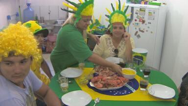 Família amapaense se prepara para assistir ao jogo do Brasil contra Camarões - O Brasil enfrenta Camarões hoje brigando pela classificação e pela liderança do grupo. Aqui no Amapá, o cardápio é claro não poderia ser outro.