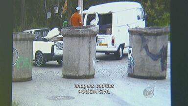 Polícia Civil prende suspeito de participar de roubo de carga de cigarros em Campinas - o rapaz foi preso quando ainda estava dormindo. Segundo investigadores, ele foi flagrado transportando a carga roubada de cigarros em Campinas.