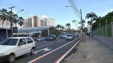 AMC instala binários nas ruas Monsenhor Catão e Coronel Jucá, na Aldeota, em Fortaleza - Mudanças nas ruas é para desafogar o trânsito na Avenida Virgílio Távora.