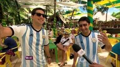 O que os gringos carregarão na bagagem depois da Copa? Fabricio Battaglini responde - Repórter vai à Fortaleza e descobre o que turistas levarão do país após o fim do mundial