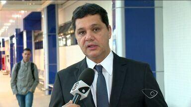 Senador do ES quer flexibilização permanente do horário da Voz do Brasil - Programa poderia ser transmitido das 19h às 22h durante a Copa do Mundo.