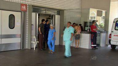 Policial morto com tiro acidental no bairro Jardim Castelão é enterrado - O enterro aconteceu em Pacatuba.