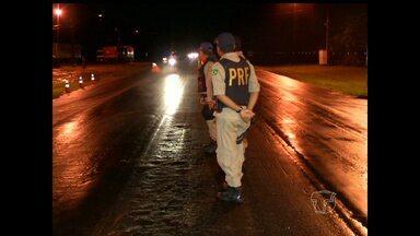 Polícias intensificaram fiscalização no trânsito em rodovias - Foram verificadas as condições de condutores e veículos.