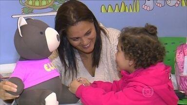 Ursinhos escondem mensagens de conforto para crianças com câncer - O Hospital Amaral Carvalho, em Jaú (SP), é referência no tratamento de câncer pelo SUS. A pediatria decidiu implantar um projeto de humanização, voltado principalmente para as crianças.