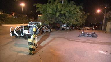 Policial militar é internado em estado grave depois de ser baleado em BH - Crime aconteceu na entrada de uma vila, no bairro São Francisco.