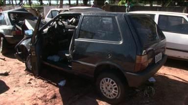 Quatro pessoas morreram em acidente no noroeste do Paraná - O acidente foi na PR-463, entre Nova esperança e Uniflor.