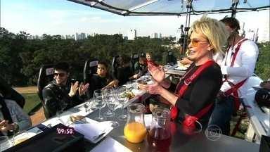 Ana Maria bate papo com os fãs convidados do brunch - Tapioca e outras delícias são servidas no brunch pelo chef Guga Rocha