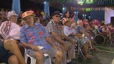 'Arraial do Amor' anima fim de semana no Parque do idoso em Manaus - Festa teve comidas típicas e danças regionais.