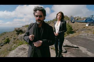 O Comendador leva Maria Clara ao Monte Roraima - José Alfredo visita um túmulo no alto do Monte e conversa com a filhasobre seu passado e sua luta para construir o império da família