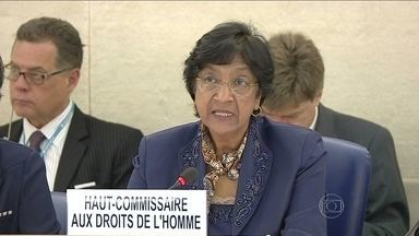 Conselho de Direitos Humanos da ONU vai investigar suspeitas de crimes de guerra em Gaza - A alta-comissária da ONU para Direitos Humanos, Navi Pillay, disse que há fortes indícios de crimes de guerra em Gaza e que o respeito pela vida de civis, incluindo as crianças, deve ser uma grande preocupação dos dois lados do conflito.