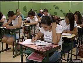 Evasão escolar é motivo de preocupação em comunidades do Vale do Aço - Metade dos alunos retomam o semestre letivo, segundo levantamento feito em Minas Gerais