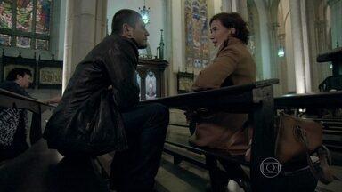 João Lucas vai atrás de Maria Marta na igreja, e os dois discutem - José Pedro conta para a mãe sobre o homem que atropelou na estrada