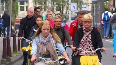 Acidentes de trânsito incentivaram o uso de bicicletas na Holanda - Protestos por número de mortos no trânsito priorizou a mobilidade urbana. Na população holandesa, 84% das pessoas têm uma ou mais bicicletas.