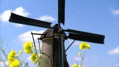 Globo Repórter visita o interior de um tradicional moinho holandês - Moradores precisam aprender a olhar para o céu e reconhecer sinais do tempo. Kinderdijk, a sequência de moinhos, é patrimônio da humanidade.