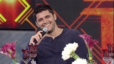Bruno Gissoni afirma ter recebido 'Boa Sorte' do irmão campeão no 'Dança' - Nakamura e Renato comentam outras edições