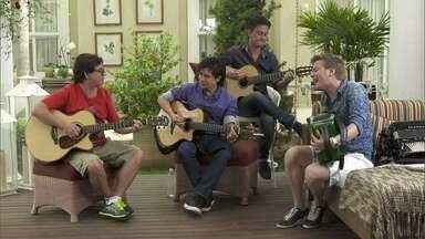 Michel Teló e Chitãozinho e Xororó cantam 'Galopeira' - Michel Teló e Chitãozinho e Xororó cantam juntos