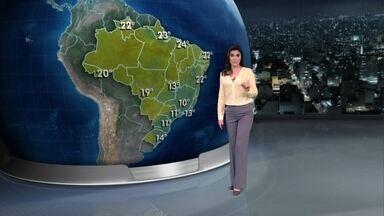 Frio atinge parte do Sul e do Sudeste do Brasil nesta quarta-feira (30) - O dia começa com temperatura por volta dos 11ºC em Curitiba e em São Paulo e 13ºC no Rio de Janeiro. À tarde, vai fazer calor de 34ºC em Cuiabá.
