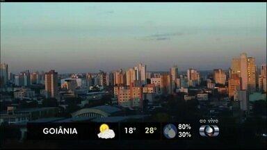 Confira a previsão do tempo para Goiás - De manhã, o céu fica claro em todo o estado. A temperatura volta a cair por volta de 18h.