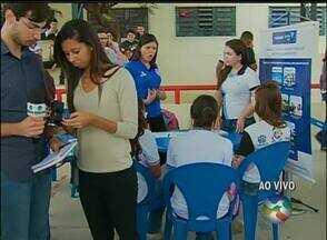 Serviços gratuitos são oferecidos em escola de Caruaru, no Agreste de PE - Iniciativa acontece por meio de parceria entre centro universitário e TV Asa Branca.