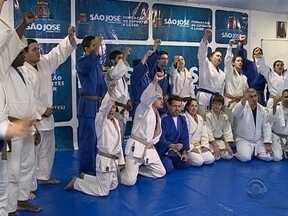 Crianças e jovens treinam judô gratuitamente em São José - Crianças e jovens treinam judô gratuitamente em São José