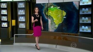 Previsão é de chuva forte no sul do Brasil - A chuva, que está prevista para o Rio Grande do Sul e para Santa Catarina, deve vir acompanhada de rajadas de vento e queda de granizo.
