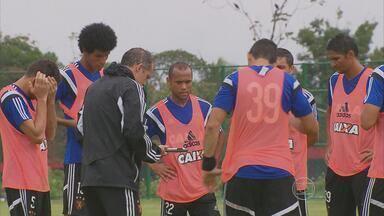 Concorrência é acirrada no Sport para jogar contra o Figueirense - A principal novidade dos rubro-negros é a presença de Ananias entre os titulares
